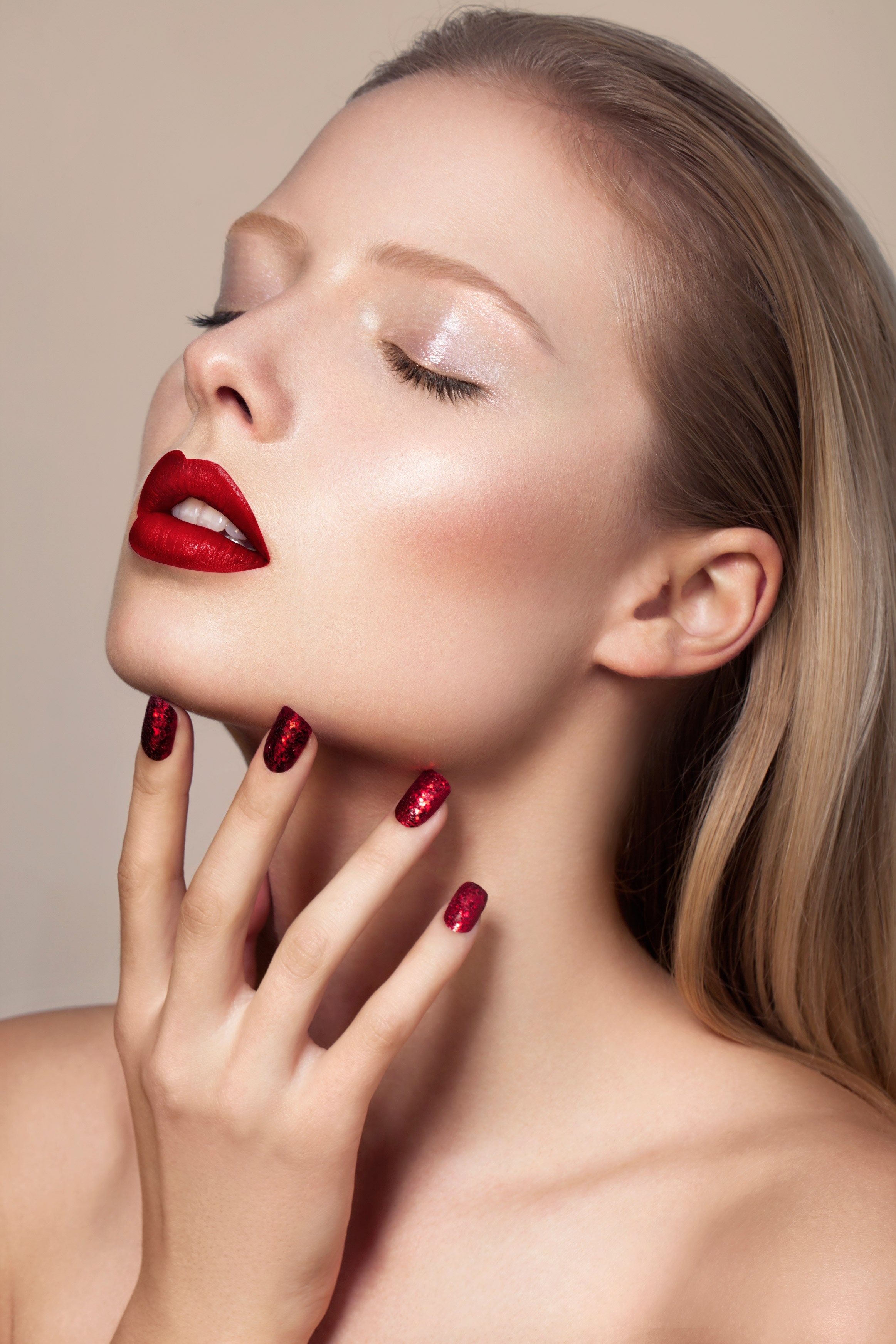 beauty magazine hair photographer pink lips pro london blonde ruth rose ruthrose margaux campaign project