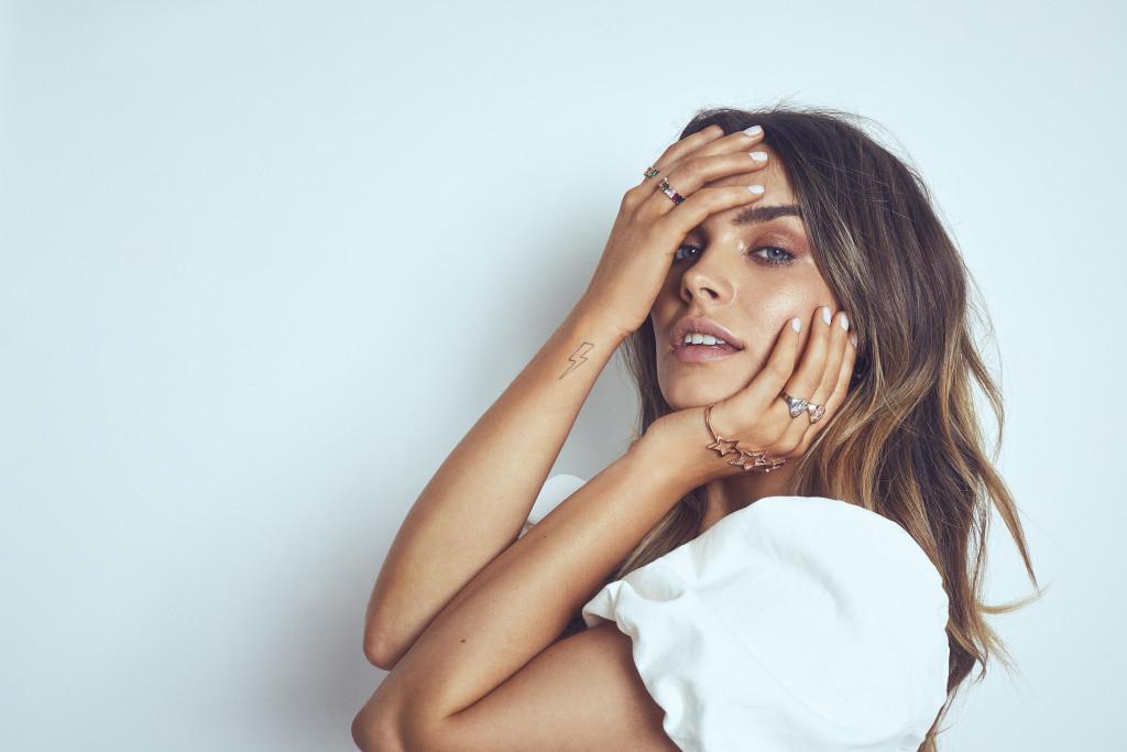 rosie-fortescue-jewellery-chloe-lloyd-jewllery-campaign-beauty-london-1